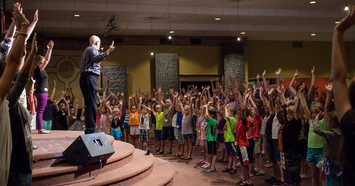 Chris Beatty teaching kids to sing